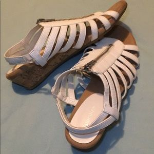 Open toed sandals